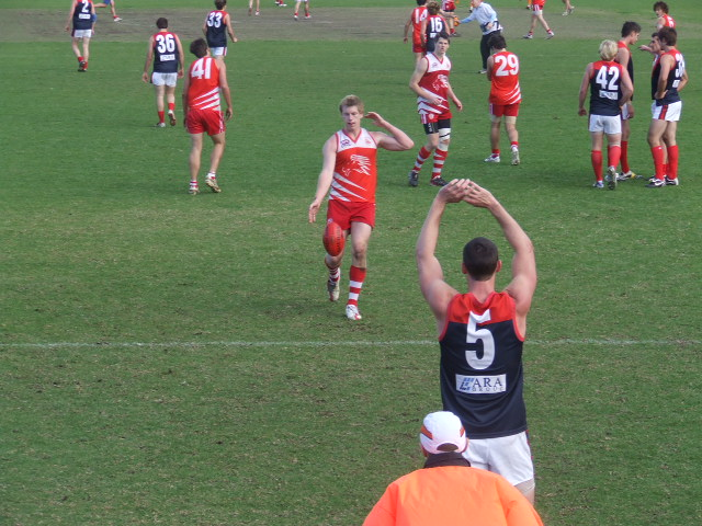 Troy Bartlett scores for Wollongong