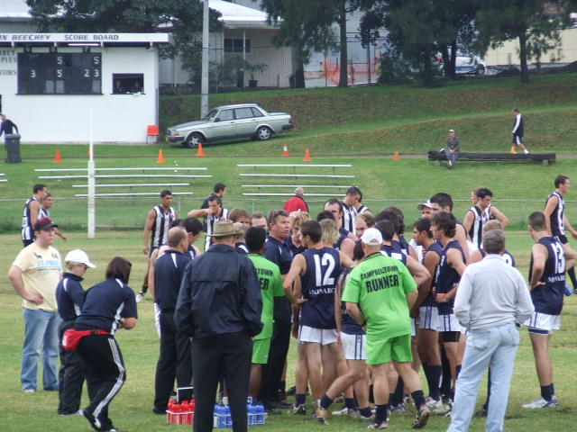 Steve Bird addresses the Blues at quarter time