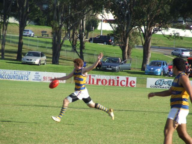 Jay Karutz drives Sydney Uni forward